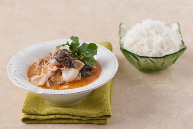 Squid in coconut sauce with jasmine rice
