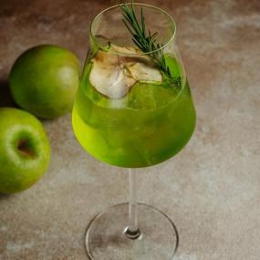 Apple Spritz Cocktail