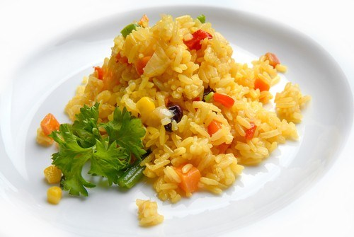 Rice with vegetables, paprika and thyme