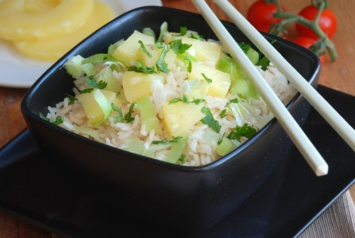 Rice with ginger and pineapple