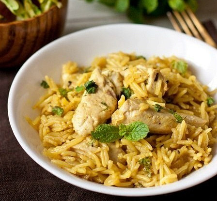 Chicken with rice and curry