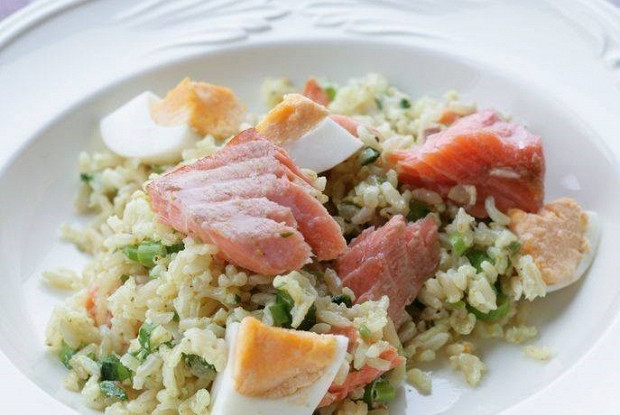Brown rice with smoked trout