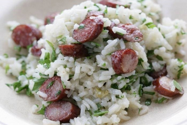Rice with celery and spicy sausages