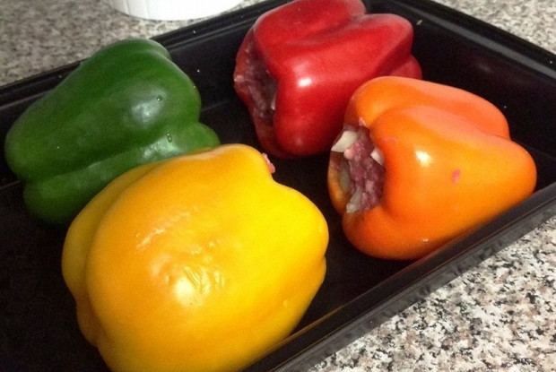 Baked peppers stuffed with meat and rice
