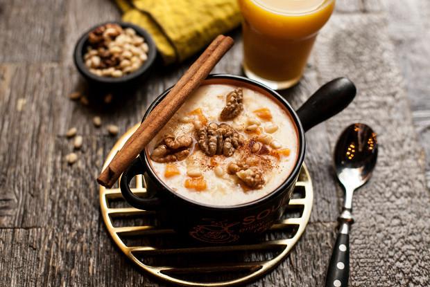 Porridge with pumpkin, rice and pine nuts