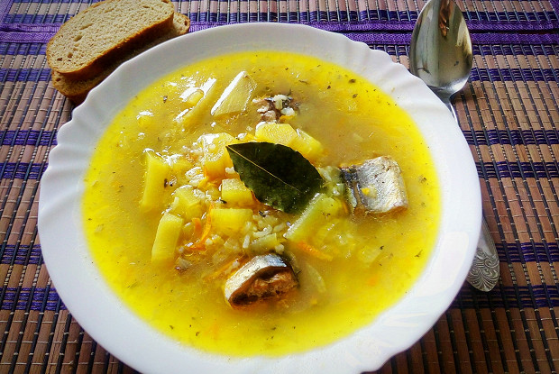 Saury soup with rice