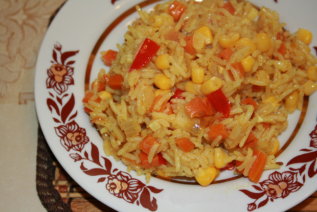 Rice with vegetables and canned corn