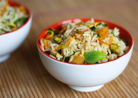 Spicy rice with pistachios