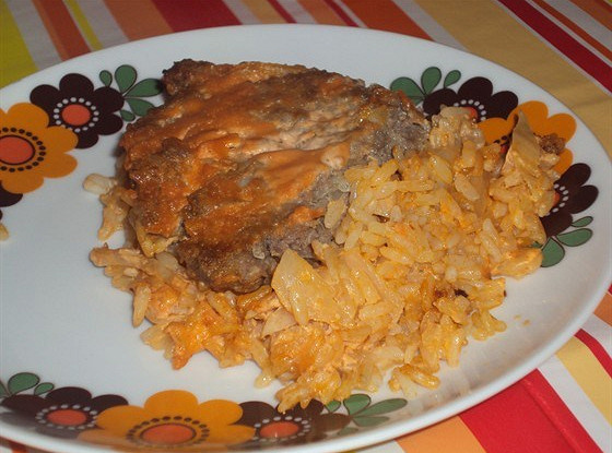 Casserole with cabbage and rice