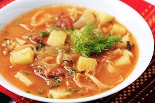 Sauerkraut soup with rice and potatoes
