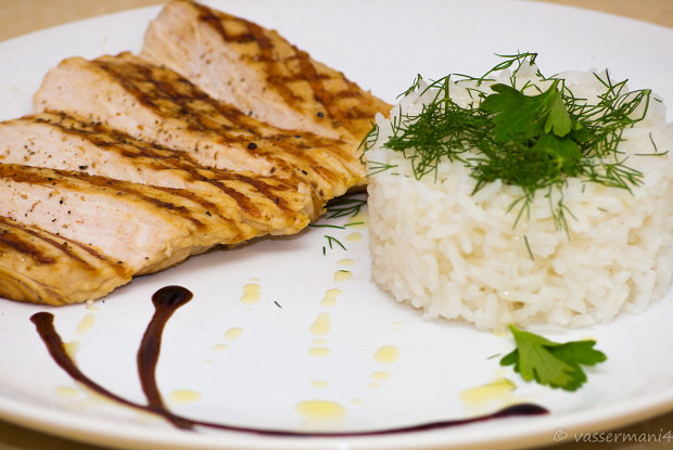 Grilled turkey chop with rice and herbs