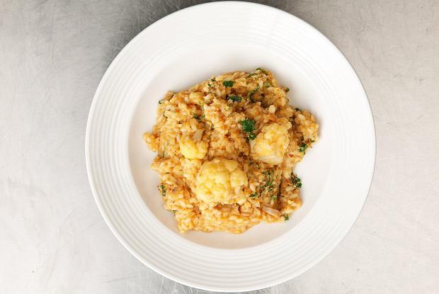 Rice with cod and cauliflower