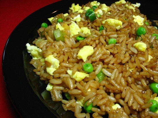 Rice with scrambled eggs and herbs