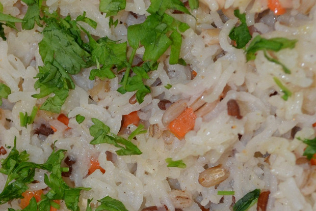 Fried rice with barley and meat