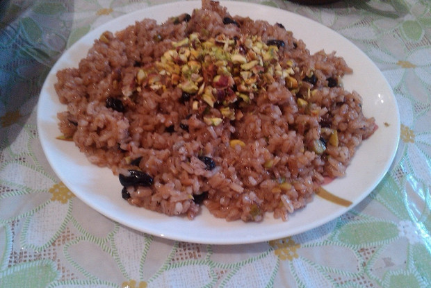 Saffron rice with pistachios (Mitha kesari bhat)
