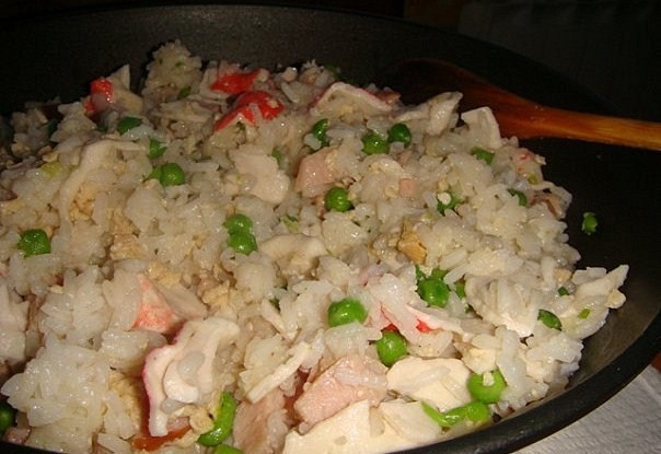 Shanghai style fried rice with crab meat