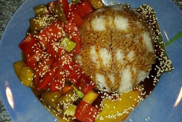 Lean rice with vegetables and teriyaki sauce