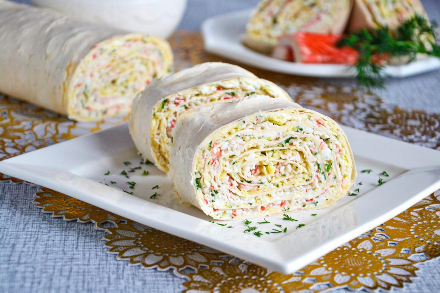 LAVASH ROLL WITH CRAB STICKS, CHEESE AND EGG
