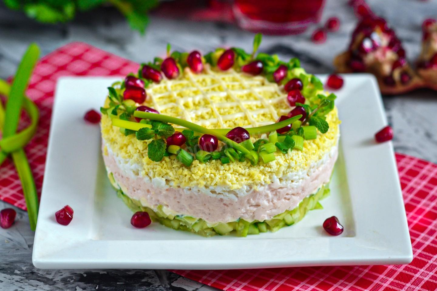 SALAD WITH KRILL MEAT EGG AND CUCUMBER