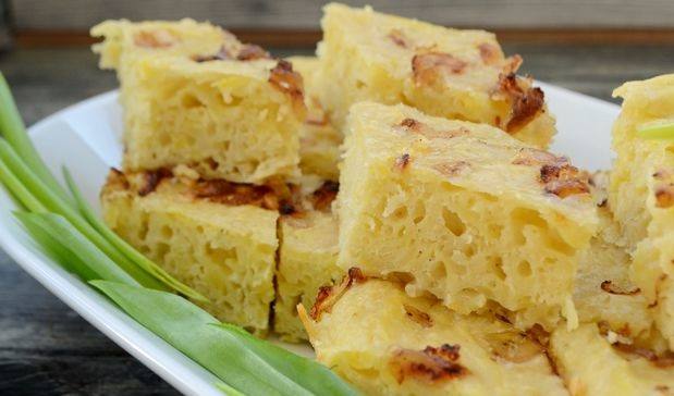Bobele (yeast potato pie)