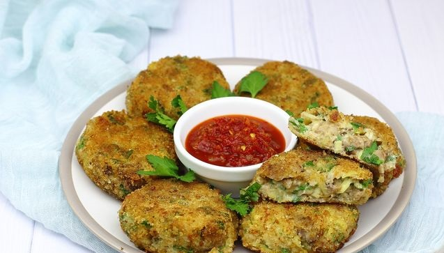Mushroom cutlets with potatoes and oatmeal
