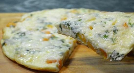 Frittata with pumpkin and mozzarella (Italian omelet)