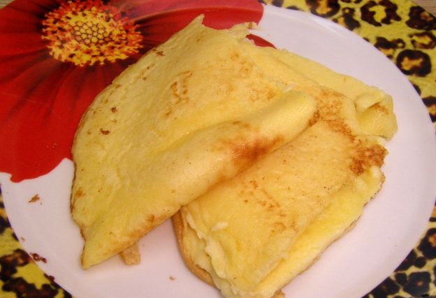 Sweet omelet with semolina