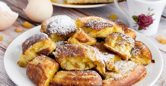 Kaiserschmarrn (imperial omelet) with raisins and lemon zest