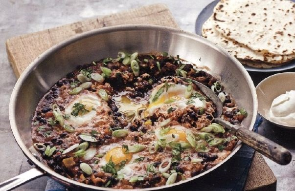 Fried eggs with beans