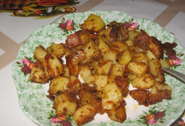 Potatoes with cheese and spices