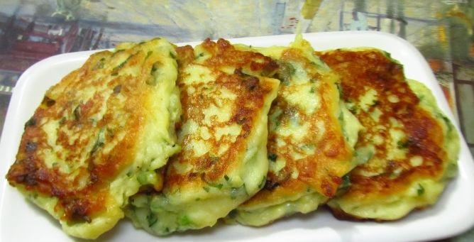 Boiled potato and feta pancakes