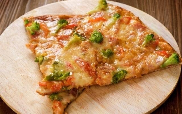 Keto pizza with chicken