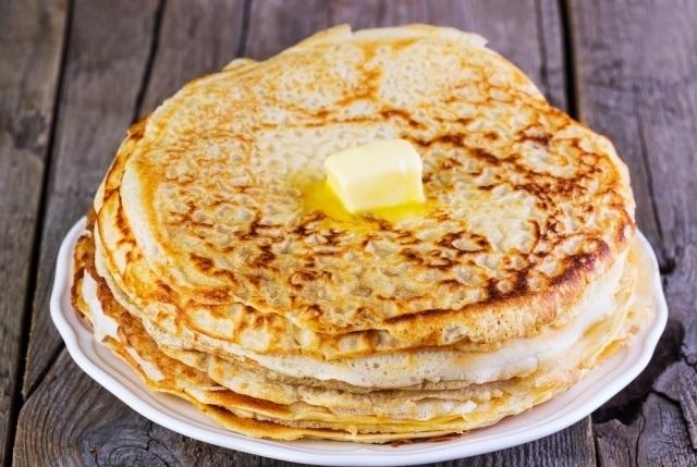 Keto pancakes on mascarpone