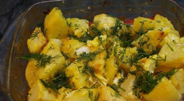 Potatoes with garlic and mayonnaise